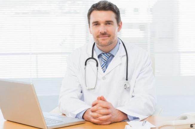 Врач - медицинский работник